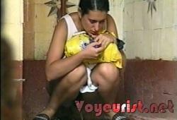 Смотреть видео девушек в туале подсмотренные фото 321-873