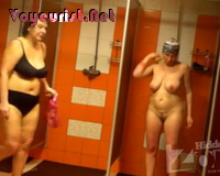 Старые целюлитные бабы моются в бане — pic 14