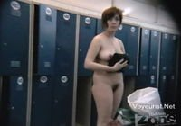 в раздевалке женской бани видео